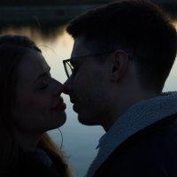 лавстори, фотосессия влюбленной пары в парке на закате :: Влада Павлова