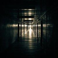 Light at the end of the corridor :: Aleh Nekipelau