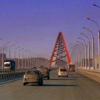 Въезжаем на Бугринский мост. :: Мила Бовкун