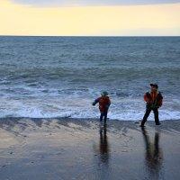 Бегущие от волны :: valeriy khlopunov