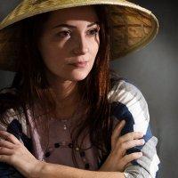 девушка в китайской шляпе :: Светлана Ясевич