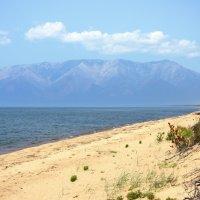 Горы, вода и песок :: Ольга Чистякова