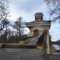 Башня -руина. Екатерининский парк :: Наталья Левина
