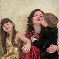 Ты, мама, - Весна! :: Ирина Данилова