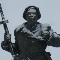 Великие Луки. Памятник Александру Матросову... :: Владимир Павлов
