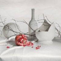 Натюрморт с гранатом :: Екатерина дегтярева