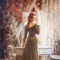 Девушка у окна :: Ирина Шумилина