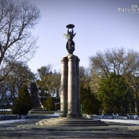 Монумент в честь 300-летия Таганрога :: Евгения Курицына