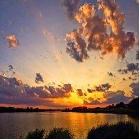 солнце садится.. :: юрий иванов