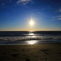 На пляже Ривьера :: valeriy khlopunov