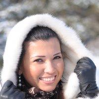 Зимний солнечный портрет :: Сергей Тагиров