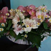 Корзина с цветами :: Елена Смолова