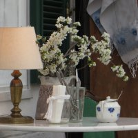 Весна в кафе :: Наталья Джикидзе (Берёзина)