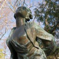 Надгробный памятник Зои Космодемьянской :: Екатерррина Полунина