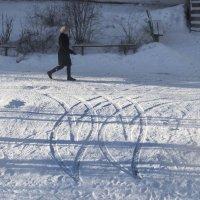 Узор на снегу :: Марина Ломина