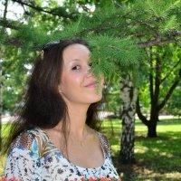 Портрет с еловой веточкой :: Сергей Тагиров