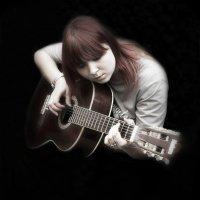 Девушка с гитарой! :: Александр