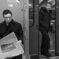 - Можно войти? :: Алексей Окунеев