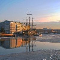 Голландец в утреннем свете :: Valerii Ivanov