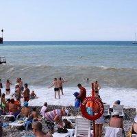 Море зовёт, волна поёт, а мы такие загораем... :: Svetlana Viktorovna