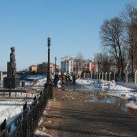 Весна в городе :: Виктор Калабухов