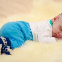Младенческий сон :: Омар Омаров