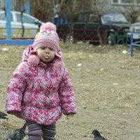 Кормление голубей. :: юрий Амосов