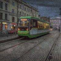 Трамвай на Кронверкском... :: Вячеслав Мишин