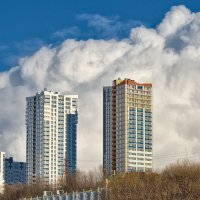 Облако и домишки :: Алексей Сычёв