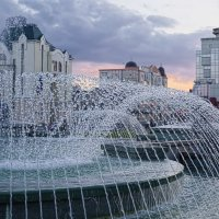Вечером у фонтана. :: Laborant Григоров