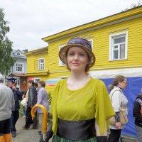 Главное дом подобрать в тон платью :: Дмитрий Ерохин