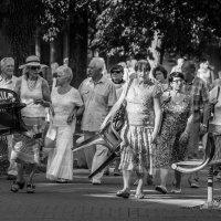 Массовая прогулка :: Aivaras Troščenka