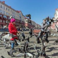 Девочка и голуби :: Евгений Голубев