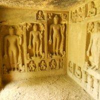 стены пещерного храма Национальный парк Мумбаи :: maikl falkon