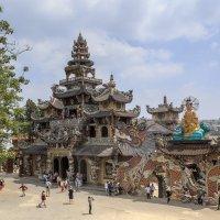 Пагода Линь Фуок. :: Алексей Поляков