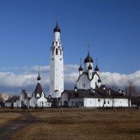 Церковь  апостола Петра в Весёлом посёлке :: Наталья Левина