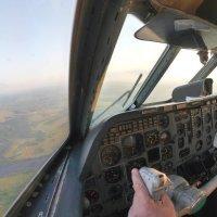 До взлётной- посадочной полосы (ВПП) 25-27 км :: Alexey YakovLev