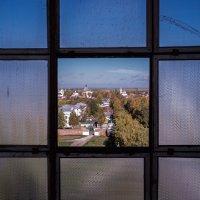 Вид сверху (через окно) :: Александр Кузьмин