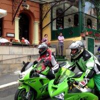 Всадники на мотоциклах :: Татьяна Нижаде