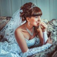 Свадьба, свадьбой, а обед ро распорядку! :: Андрей Трещук