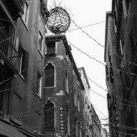 В темном переулке :: M Marikfoto