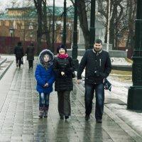 Прогулка по Александровскому саду. :: Виктор Перевозников