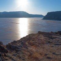 Солнце над проливом :: Анатолий Иргл