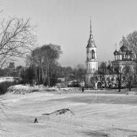 Одинокий рыболов :: Анатолий Тимофеев