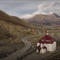 Часовня у монастыря :: Олег Фролов