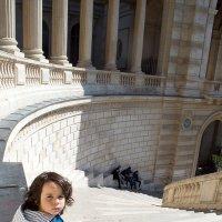 лестница вниз :: Elvira Tabisheva Peirano