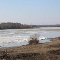 На реке ещё не ледоход. :: Олег Афанасьевич Сергеев