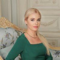Женский портрет :: Олеся Богатская