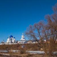 ясный апрель в Боголюбове :: Сергей Цветков