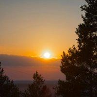 Красивый закат над городом :: Оксана Романова